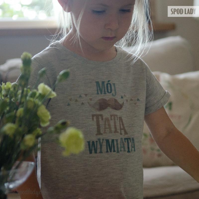 Prezent dla taty. Koszulka dla dziewczynki.