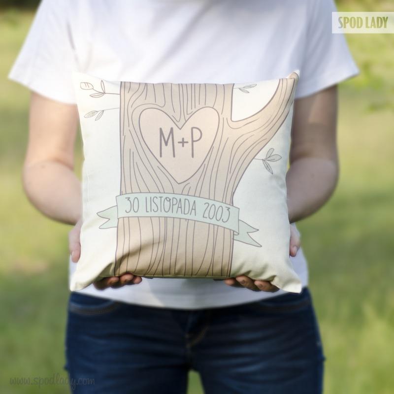 Poduszka na prezent z okazji ślubu.