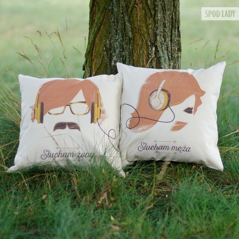 Zestaw poduszek prezentowych dla męża i żony.