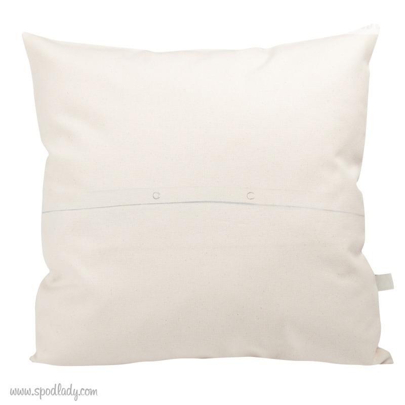 Poduszka ze wzorem: Zawsze całuj mnie na dobranoc. Tył poszewki.