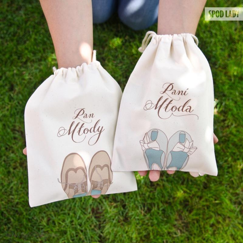 Małe woreczki na prezent z okazji ślubu.