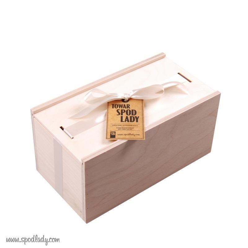 Ładnie zapakowany zestaw kubków dla pary.