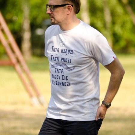 """Koszulka męska """"Tata rządzi"""""""
