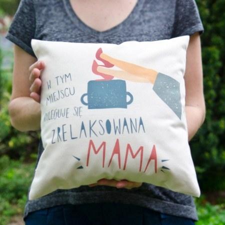 """Mała poduszka """"Mama się wyleguje"""""""