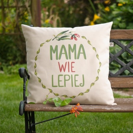 """Poduszka """"Mama wie lepiej"""""""