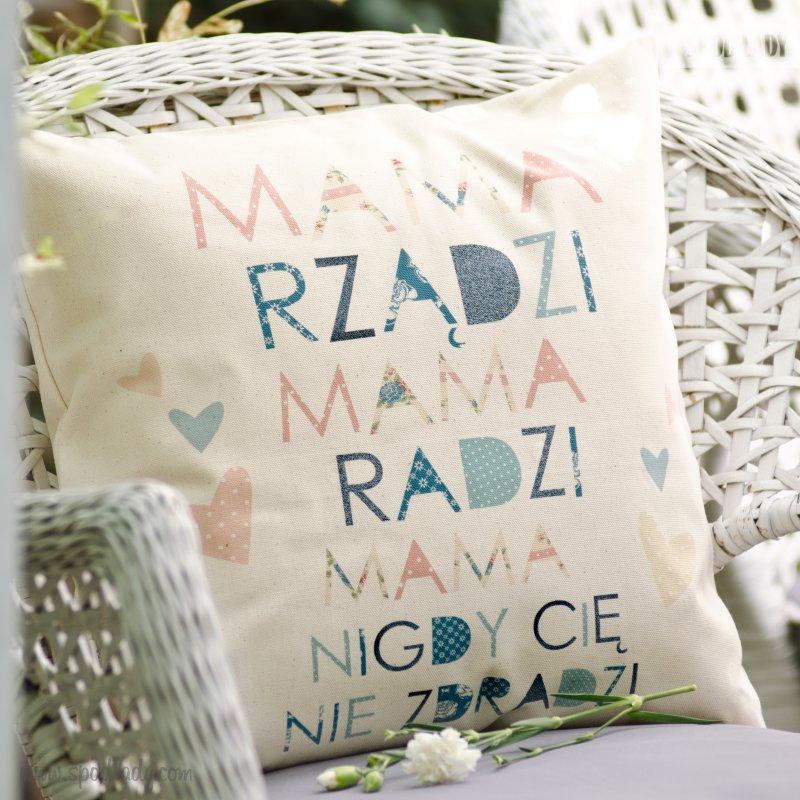 """Poduszka """"Mama Rządzi"""""""